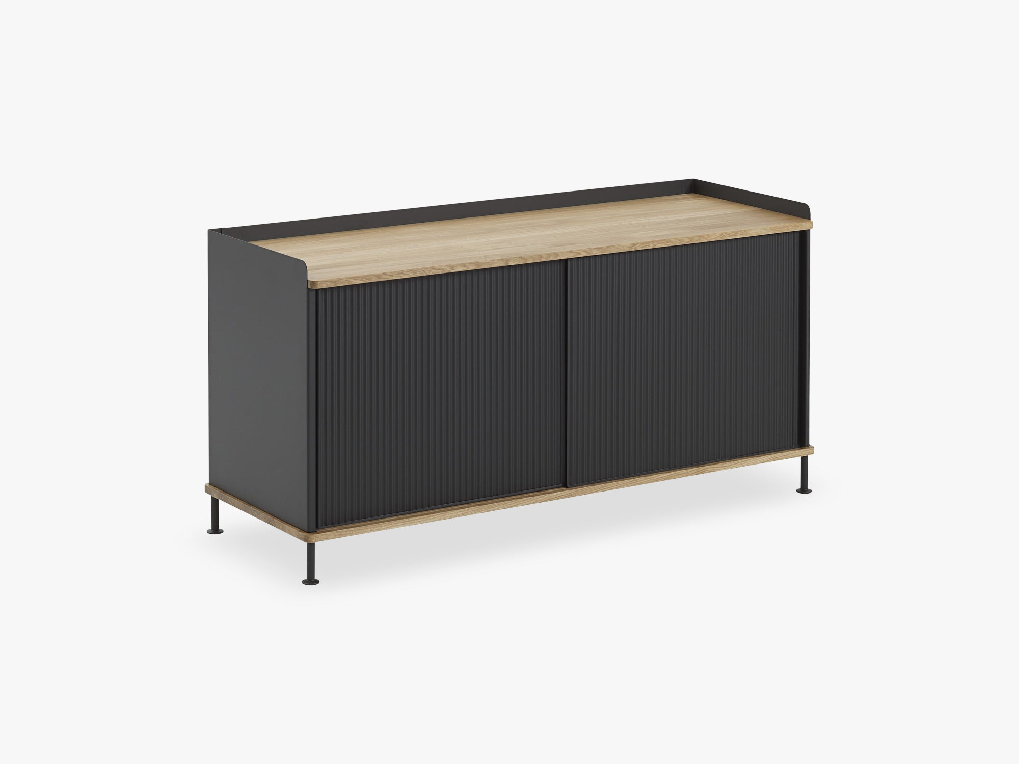 Enfold Sideboard / Low, Oak/Black fra Muuto