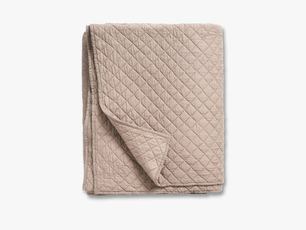 Cotton quilt, bed spread, ash sand fra Nordal
