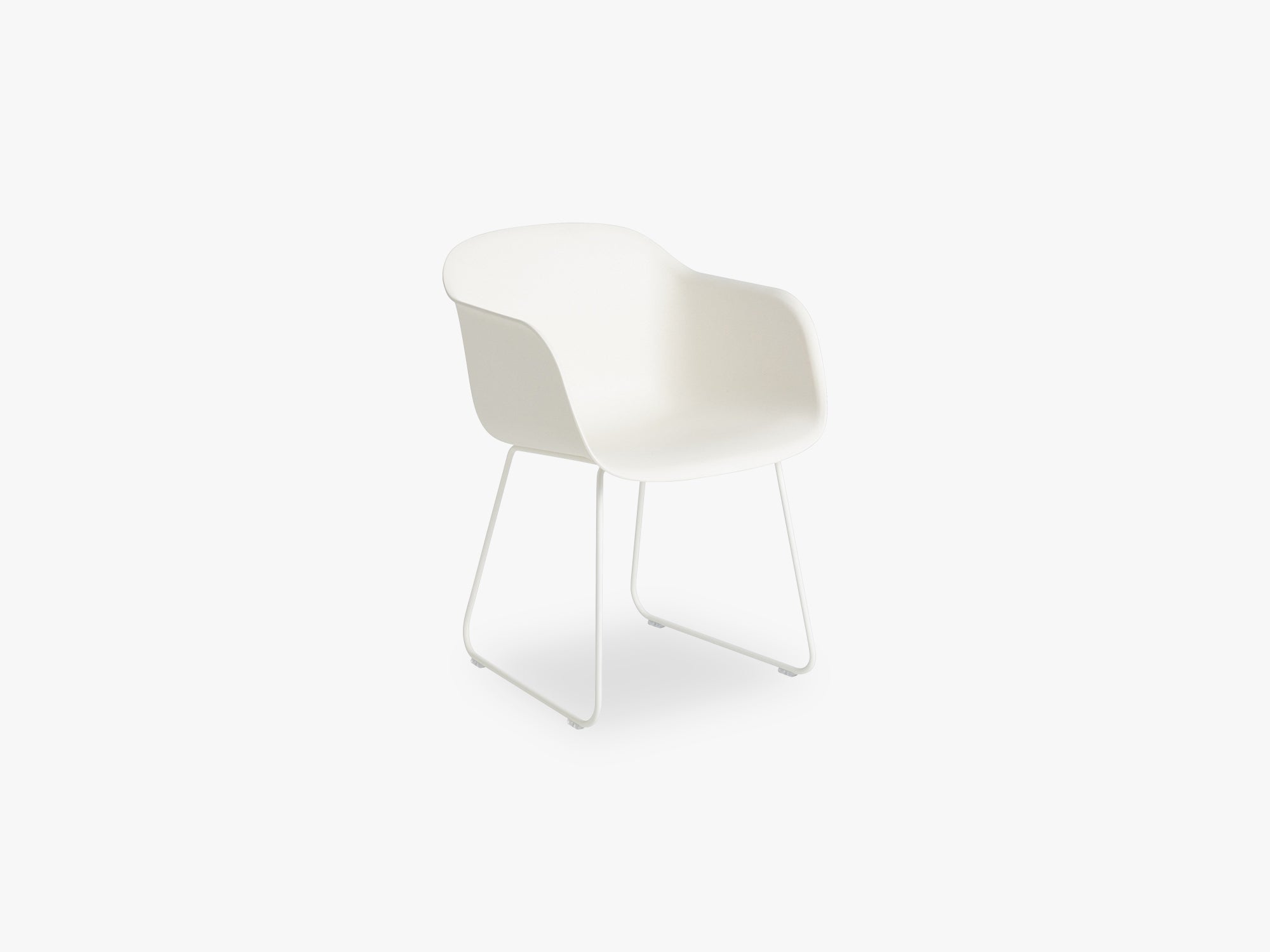 Fiber Armchair - Sled Base - Normal Shell, Natural White/White fra Muuto