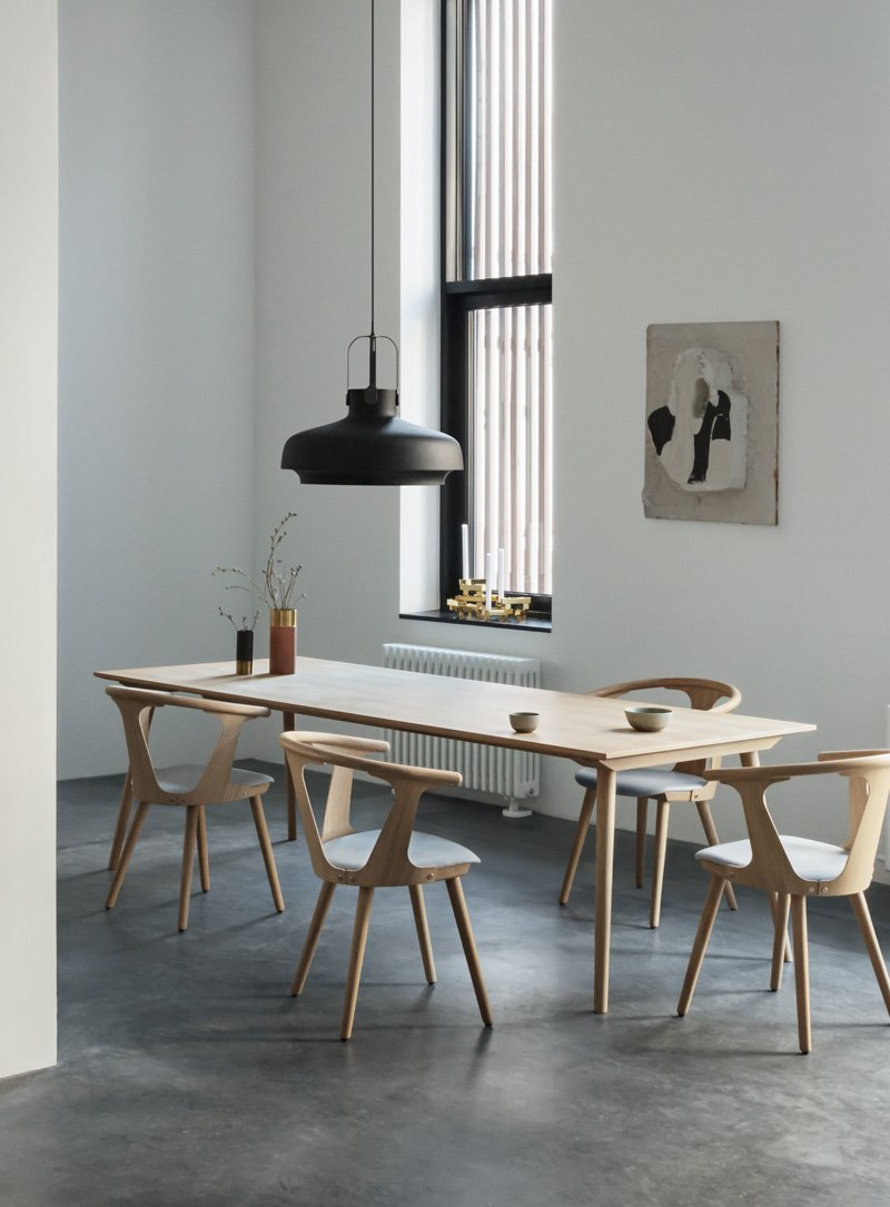 In Between Table - SK5 - 90 x 200cm - Black stained oak fra &tradition