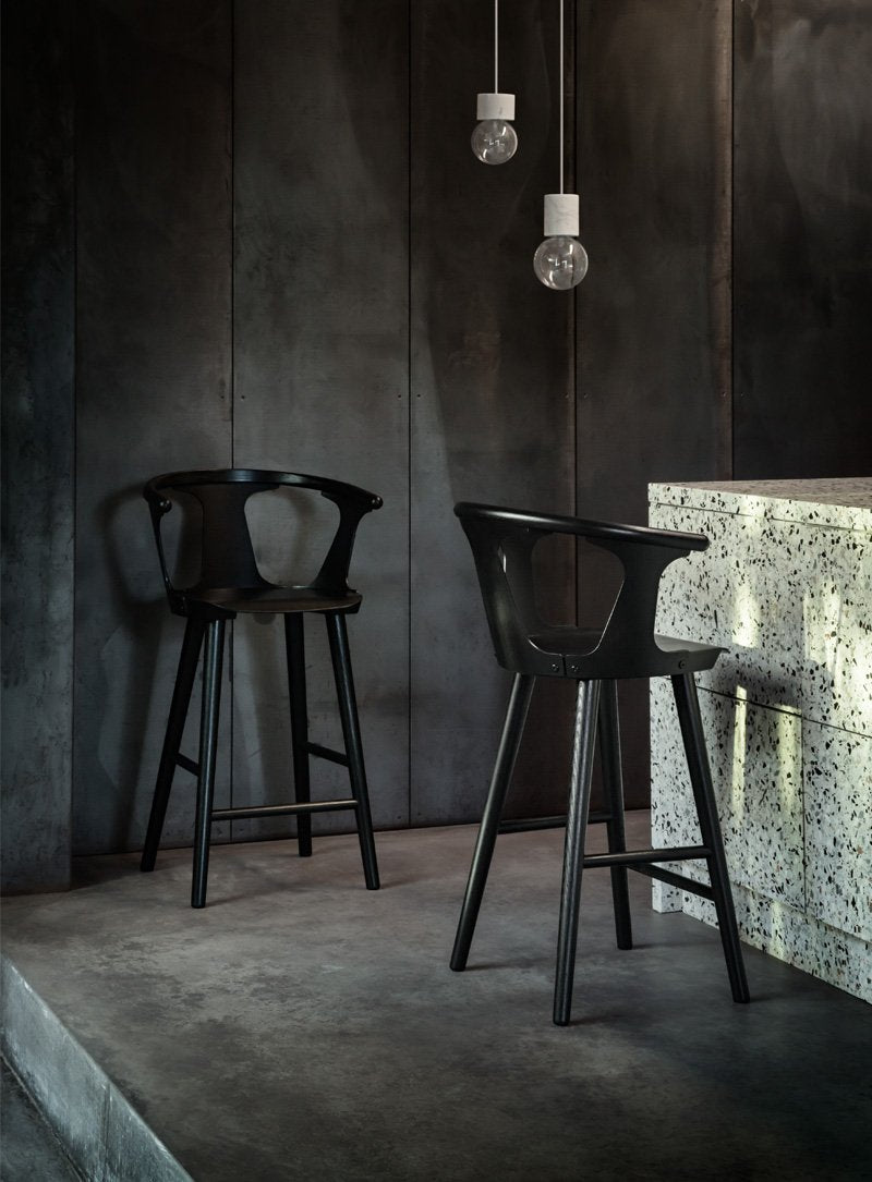 In Between Counter Stool - SK7 - 65cm, Black lacquered fra &tradition