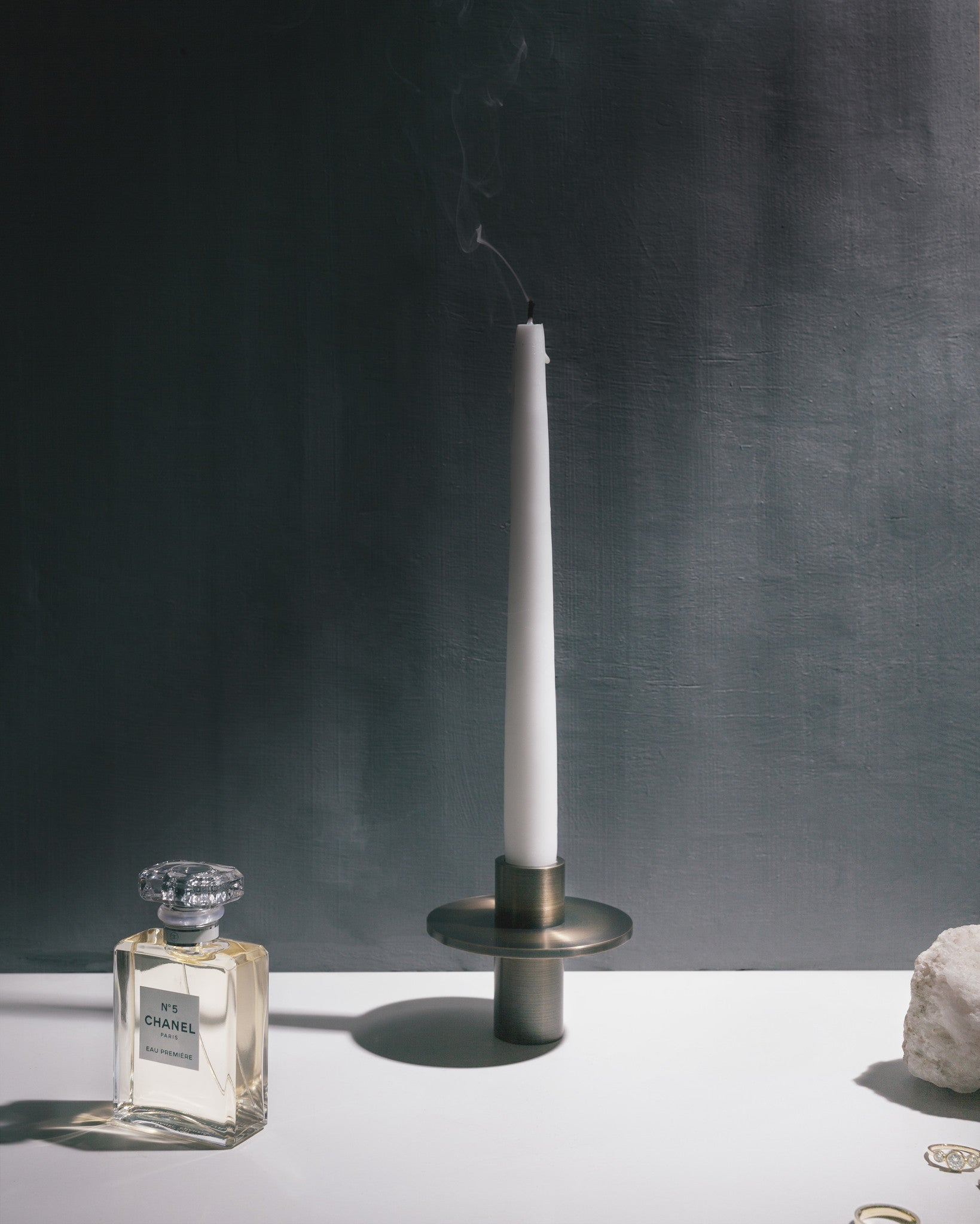 Antipode Candle Holder 03, Bronzed Brass fra Menu