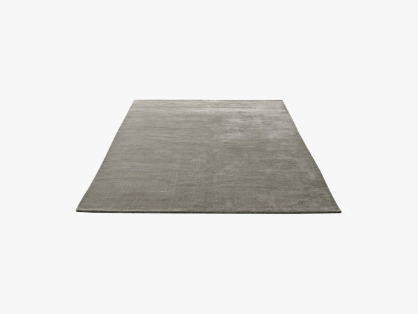 The Moor Rug - AP7, Grey Moss fra &tradition