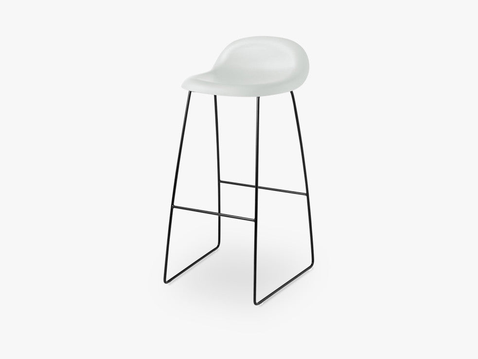 3D Bar Stool - Un-upholstered - 75 cm Sledge Black base, White Cloud shell fra GUBI