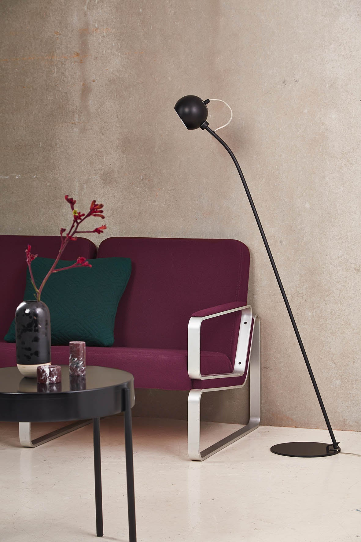 Ball Floor Lamp - Matt, Black fra Frandsen