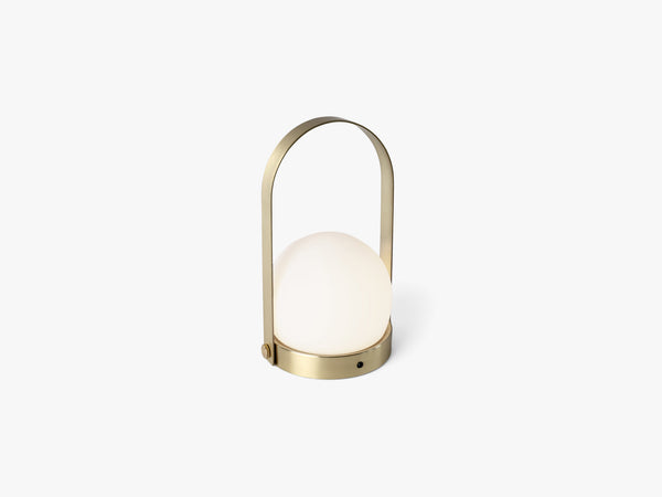Carrie LED Lamp, Brushed Brass fra Menu