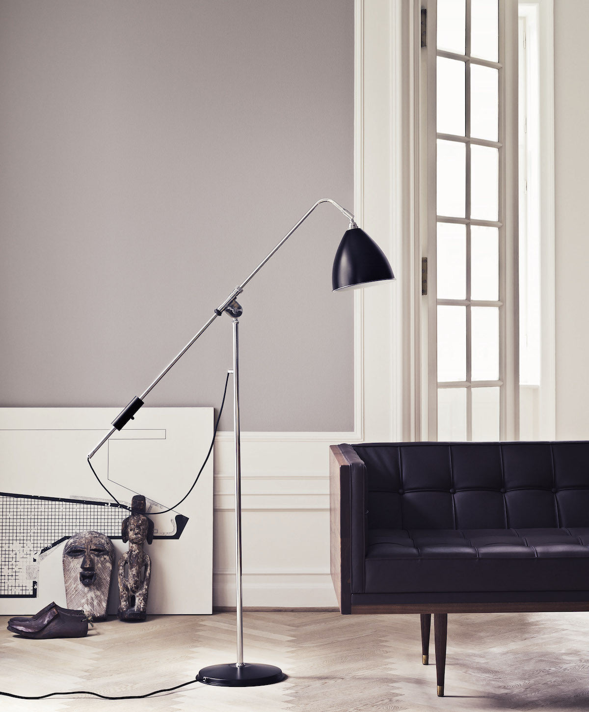 Bestlite BL4 Floor Lamp - Ø21 - Brass Base, Grey fra GUBI
