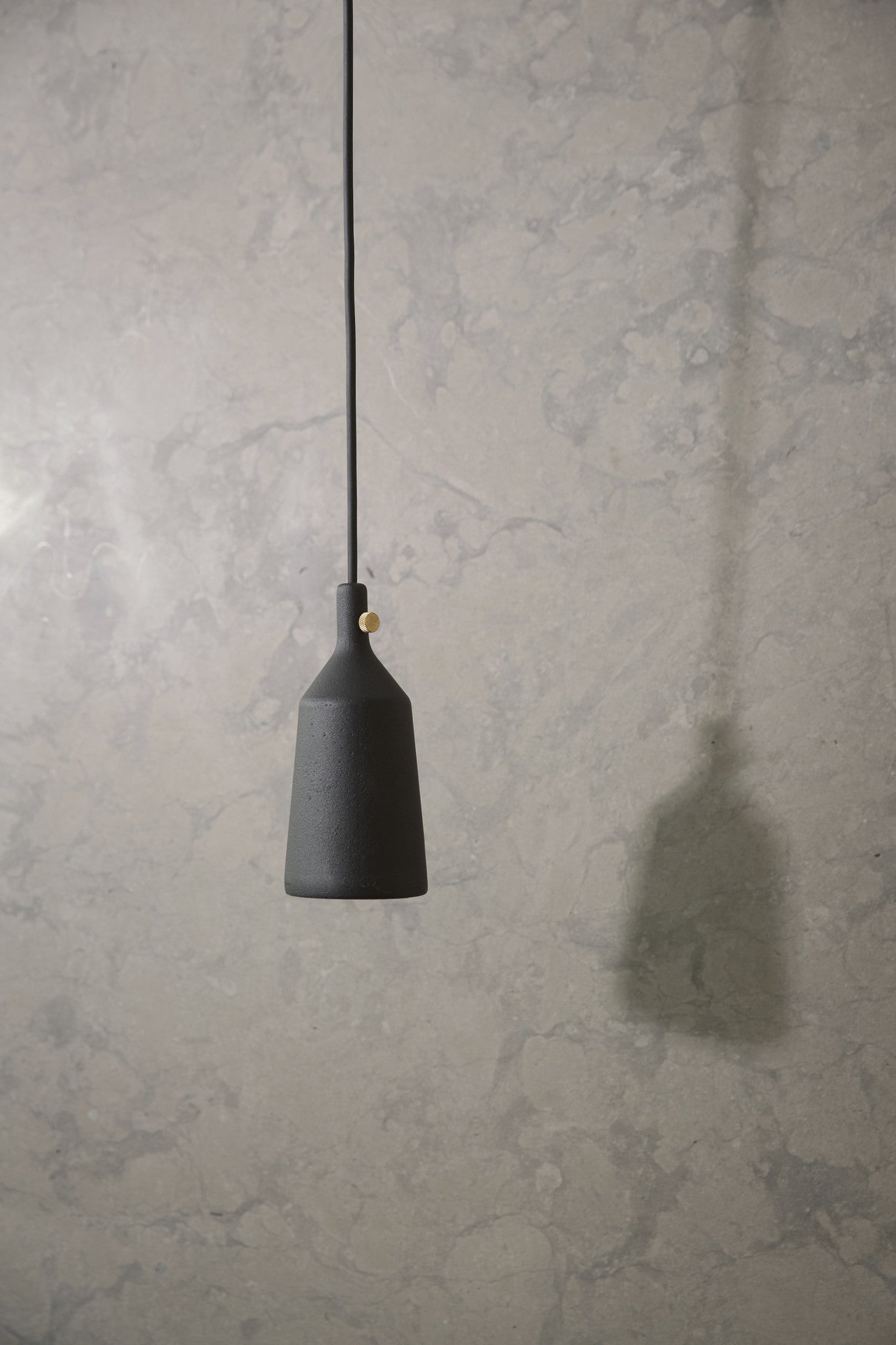 Cast Pendant, Shape 3 fra Menu
