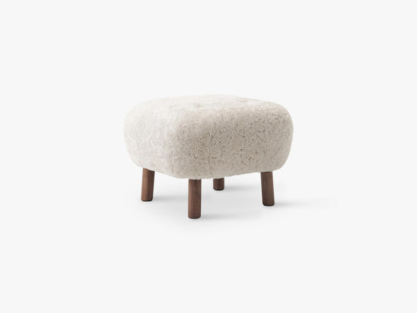 Lille Petra Pouf ATD1, Walnut - Moonlight Sheepskin fra &Tradition
