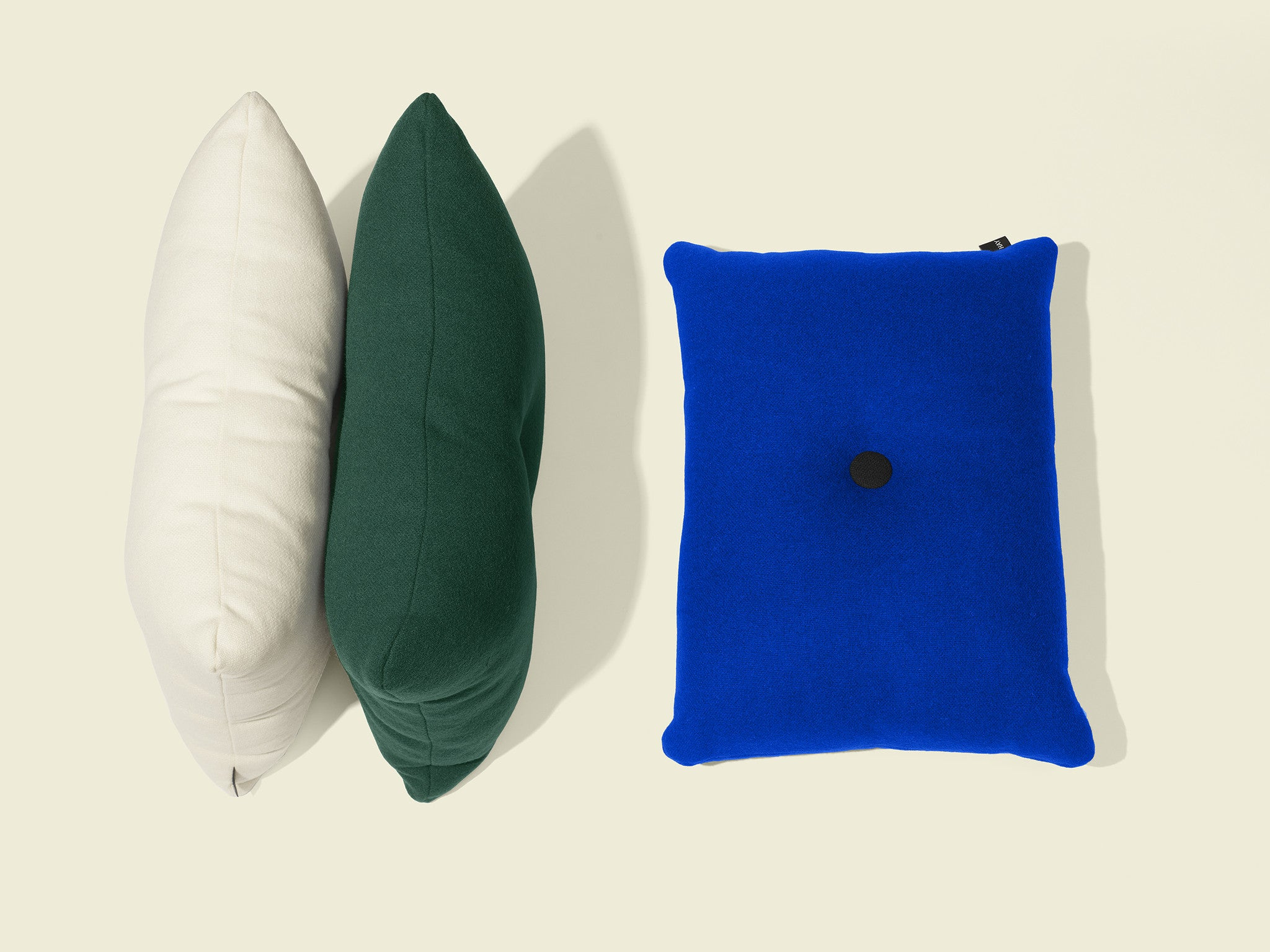 Dot Cushion Tonus 1 dot, Electric Blue fra HAY