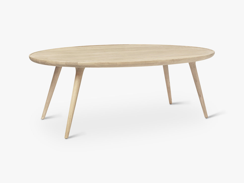 Accent Oval Lounge Table W: 80, Mat Lacquered Oak fra Mater