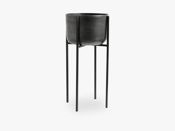 Planter on stand, large, black oxidised fra Nordal