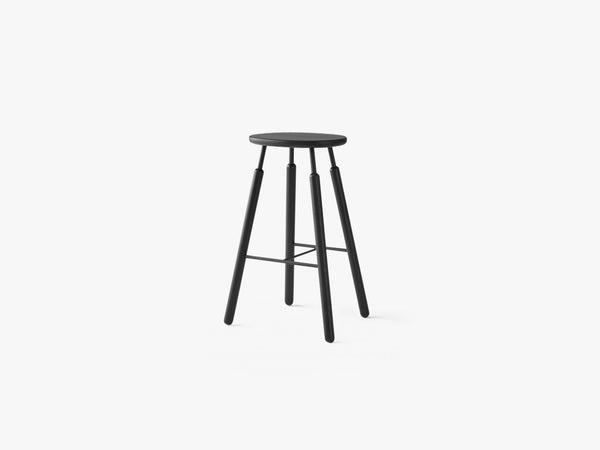 Bar stool - NA8 - Black lacquered oak fra &tradition