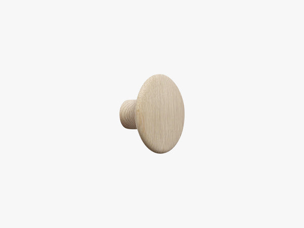 The Dots Coat Hooks / Small, Oak fra Muuto