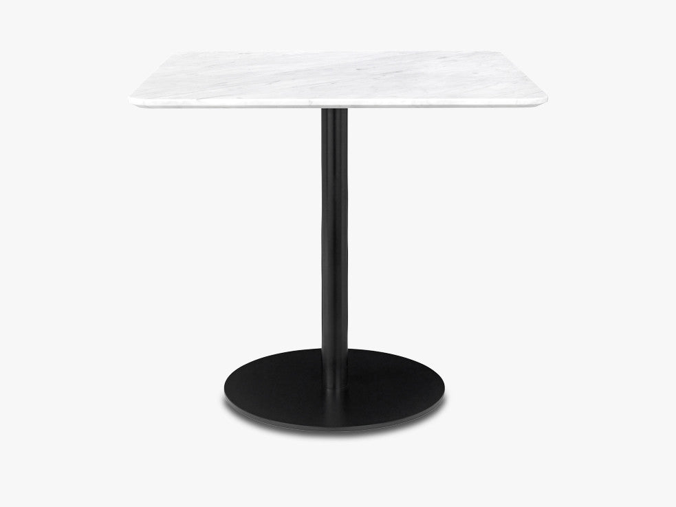 GUBI 10 Dining table - Square - 60x60, Black base, marble white top fra GUBI