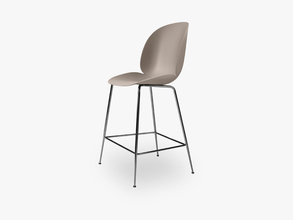 Beetle Counter Chair - Un-upholstered - 64 cm Conic Black Chrome base, New Beige shell fra GUBI