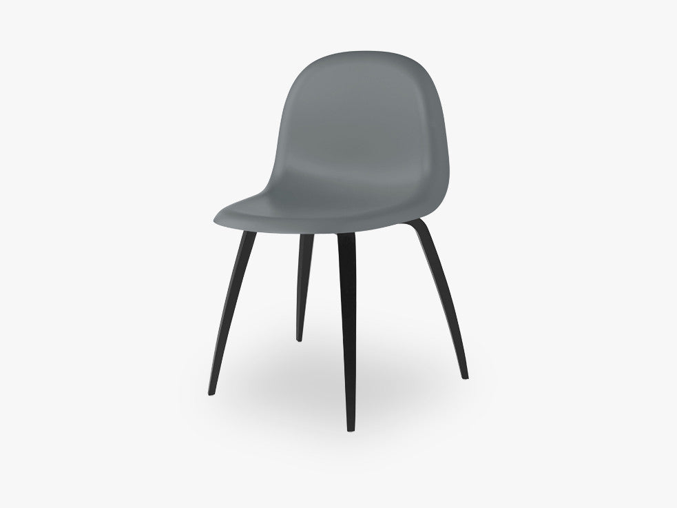 3D Dining Chair - Un-upholstered Black Stained Beech base, Rainy Grey shell fra GUBI