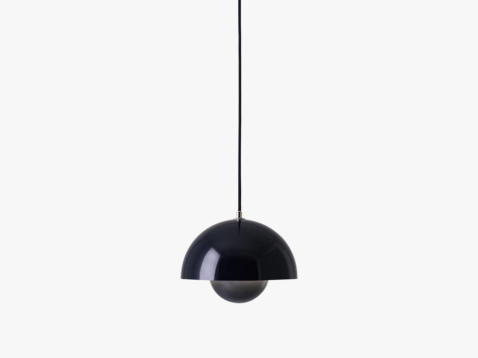 Flowerpot Pendant - VP1, Black Blue fra &tradition