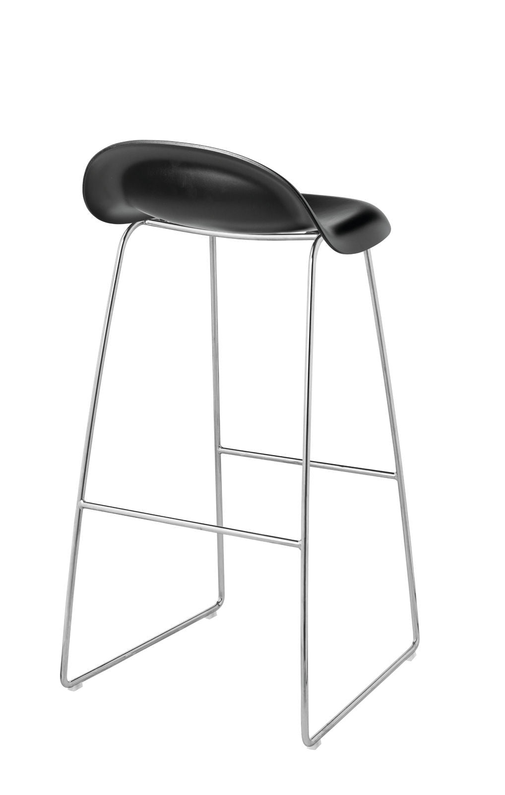 3D Bar Stool - Un-upholstered - 75 cm Sledge Crome base, Black Stained Beech shell fra GUBI