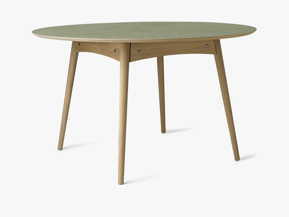Eat Dining Table Ø120 - Oak base, Pine Forest Green Linoleum fra Mater