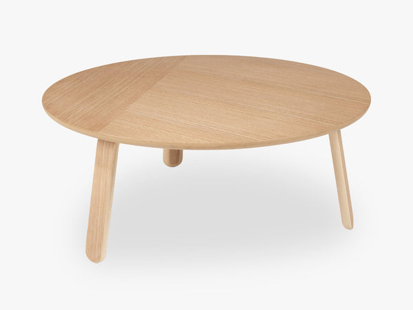 Paper Coffee Table - Dia 80, Oak base, Oak top fra GUBI