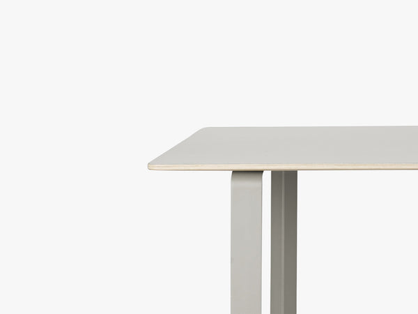 70-70 Table - Large, Grey/Grey fra Muuto