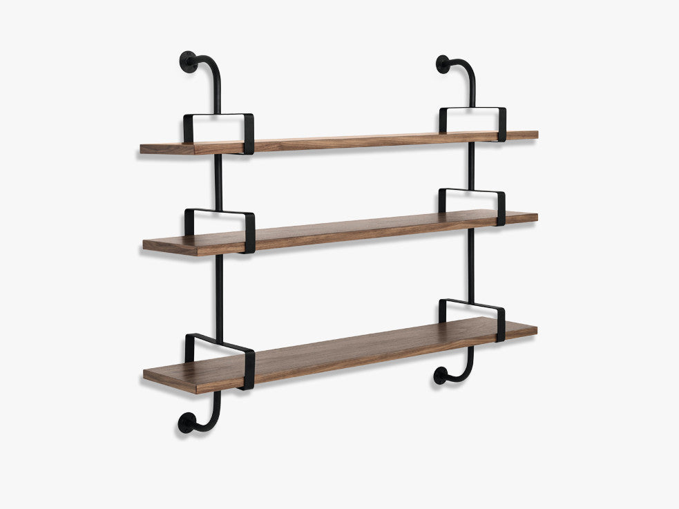 Démon Shelf - 2 Brackets - 155 cm 3 shelves, Walnut shell fra GUBI