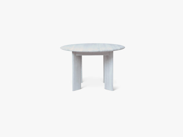 Bevel Table - Round Ø117 - Ice Blue fra Ferm Living