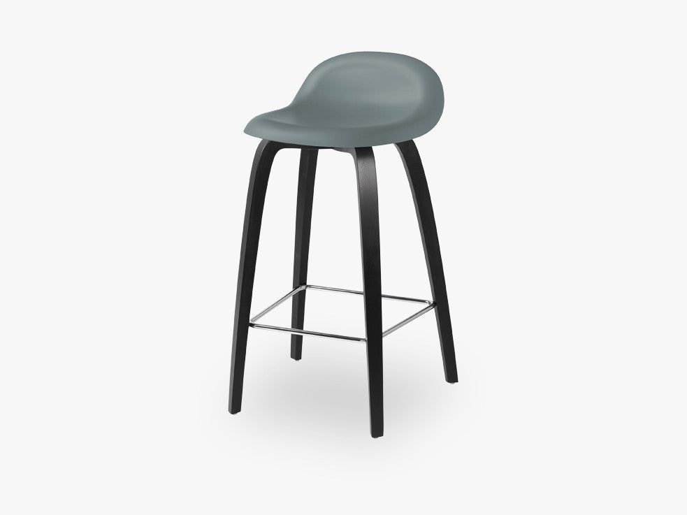 3D Counter Stool - Un-upholstered - 65 cm Black Stained Beech base, Rainy Grey shell fra GUBI