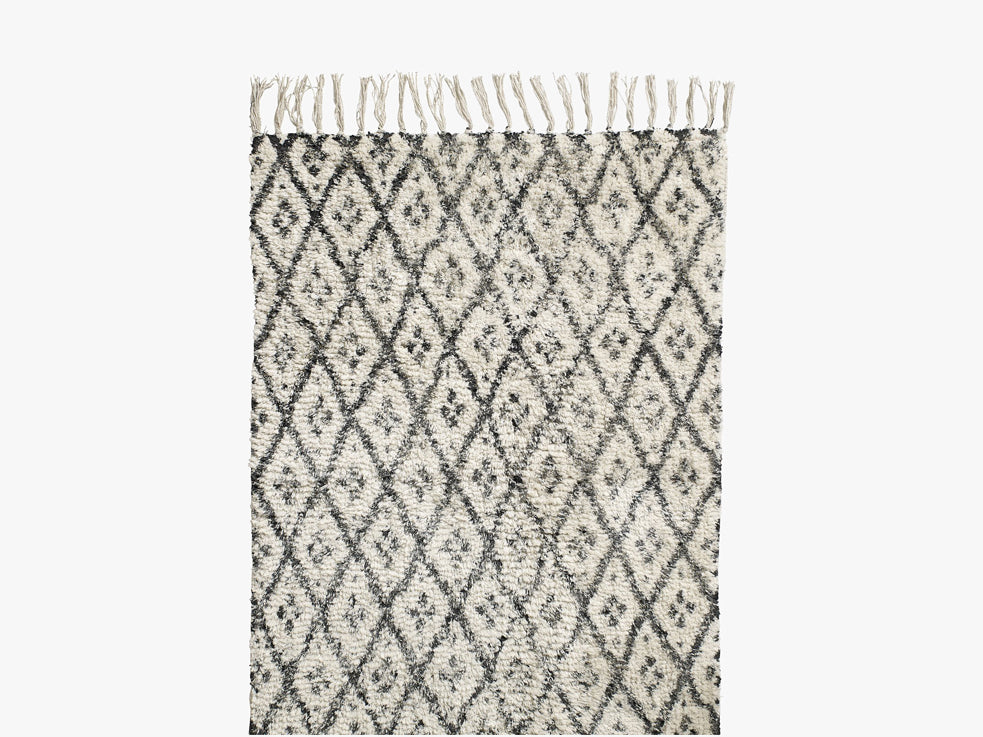Carpet, diamonds, off white/black fra Nordal