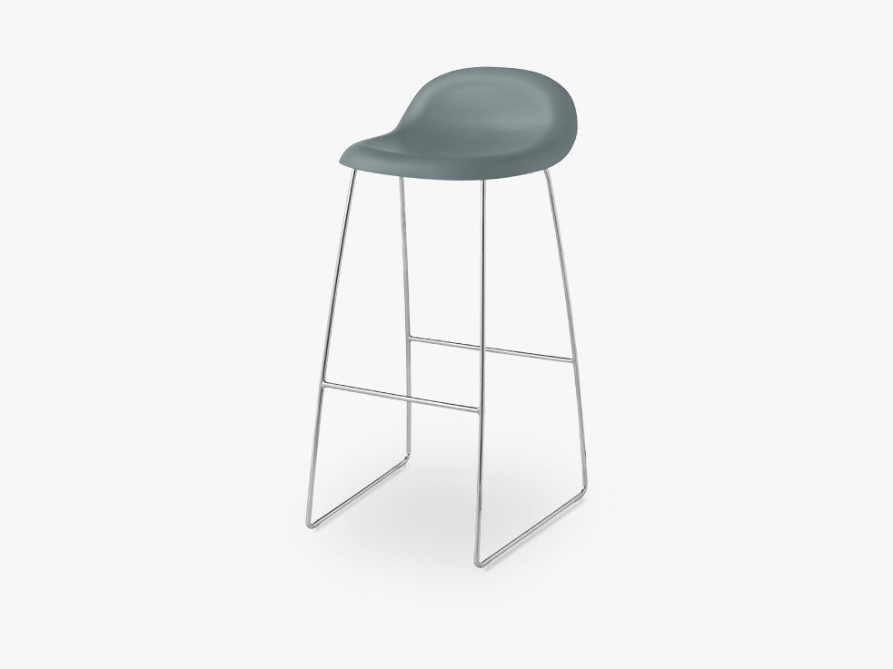 3D Bar Stool - Un-upholstered - 75 cm Sledge Crome base, Rainy Grey shell fra GUBI