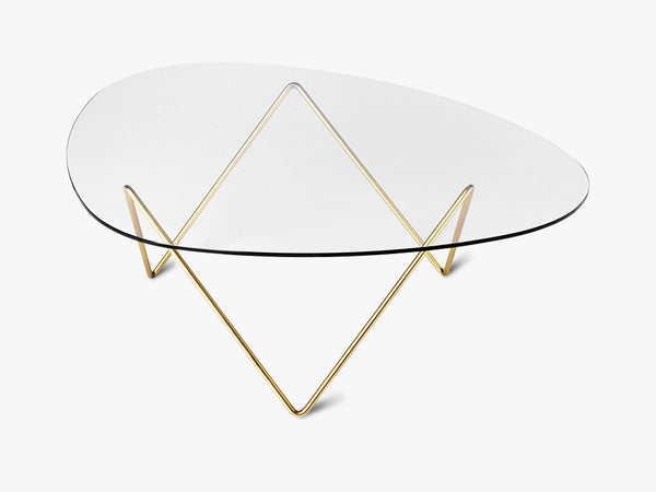 Pedrera Coffee Table, Brass Base fra GUBI