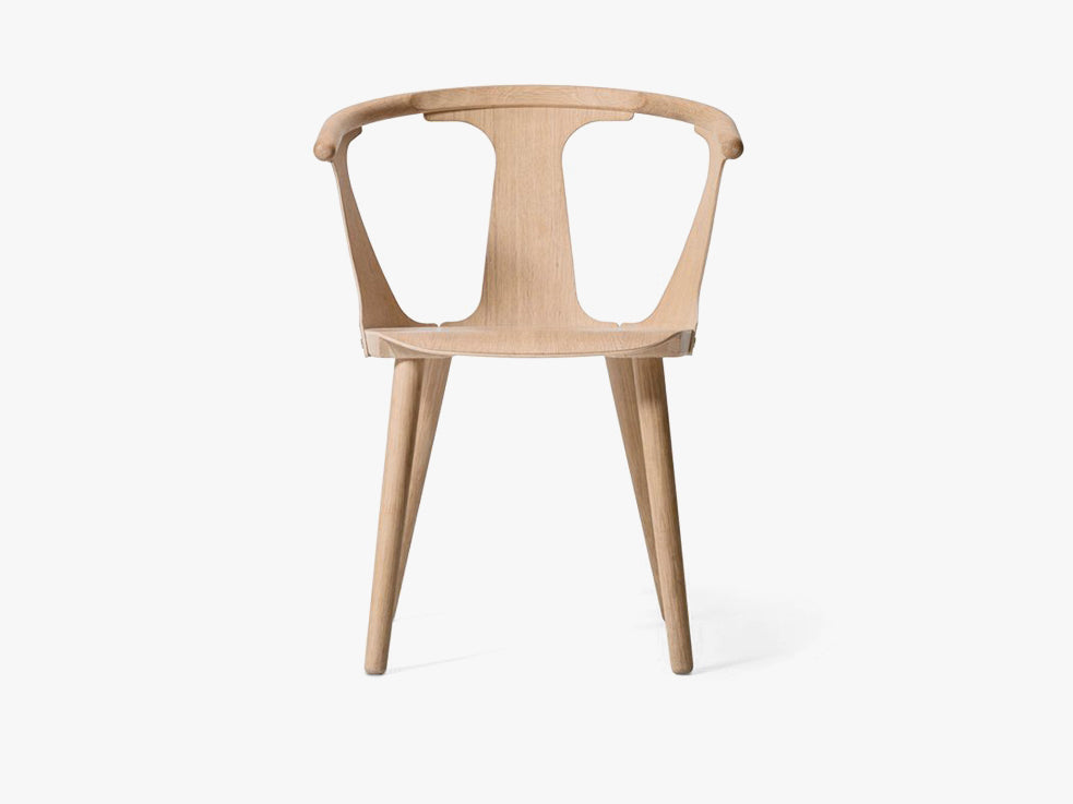 In Between Chair - SK1 - White oiled oak fra &tradition