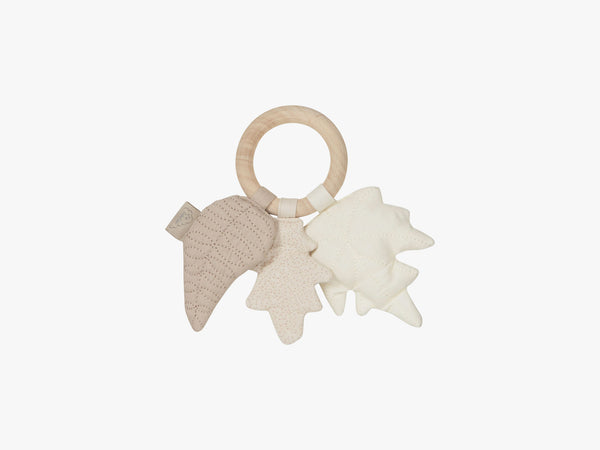 Rattle Leaves w/ maple wood ring, Mix Natural fra Cam Cam Copenhagen