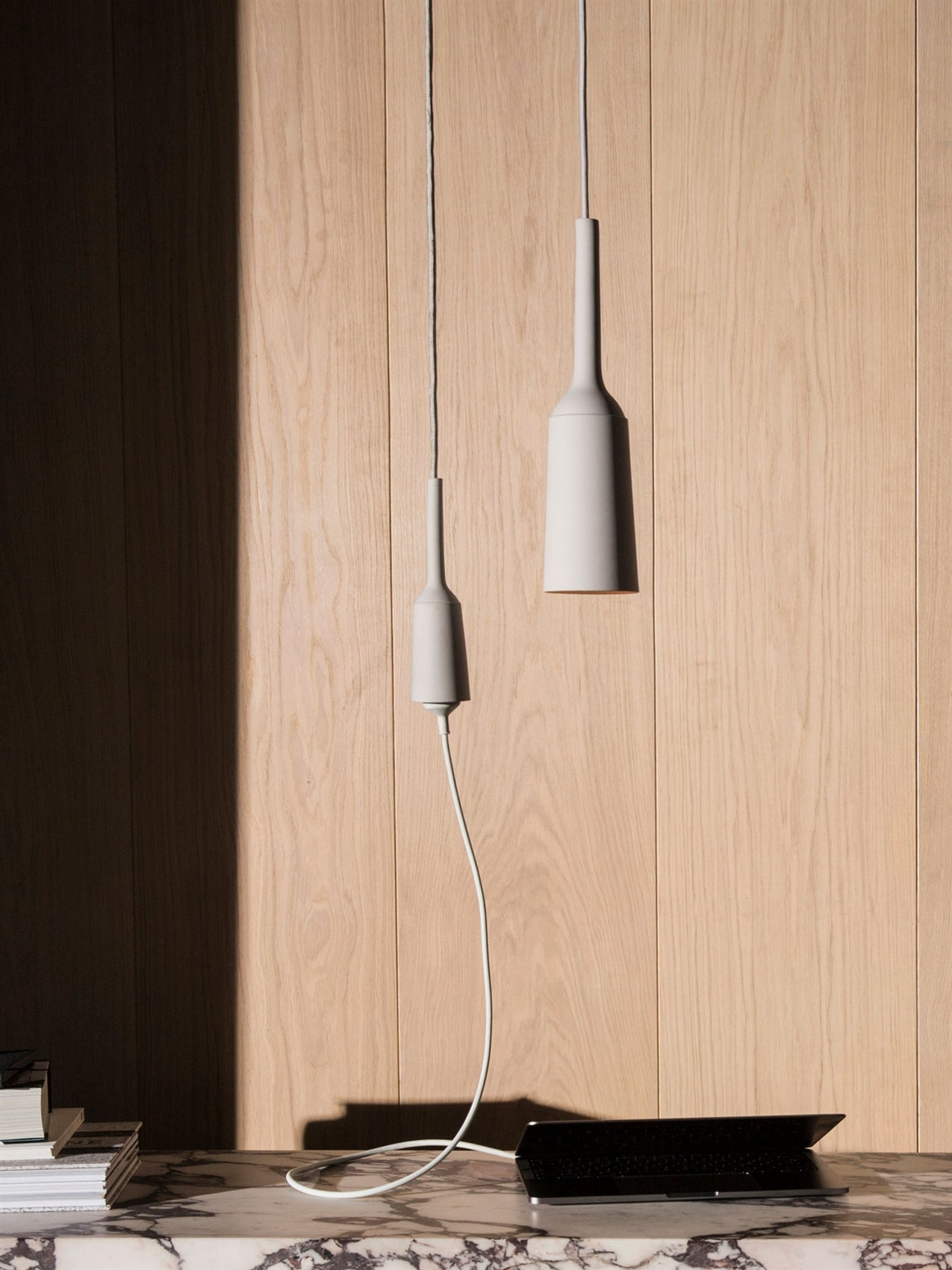 Douwes Socket, Light Grey fra Menu