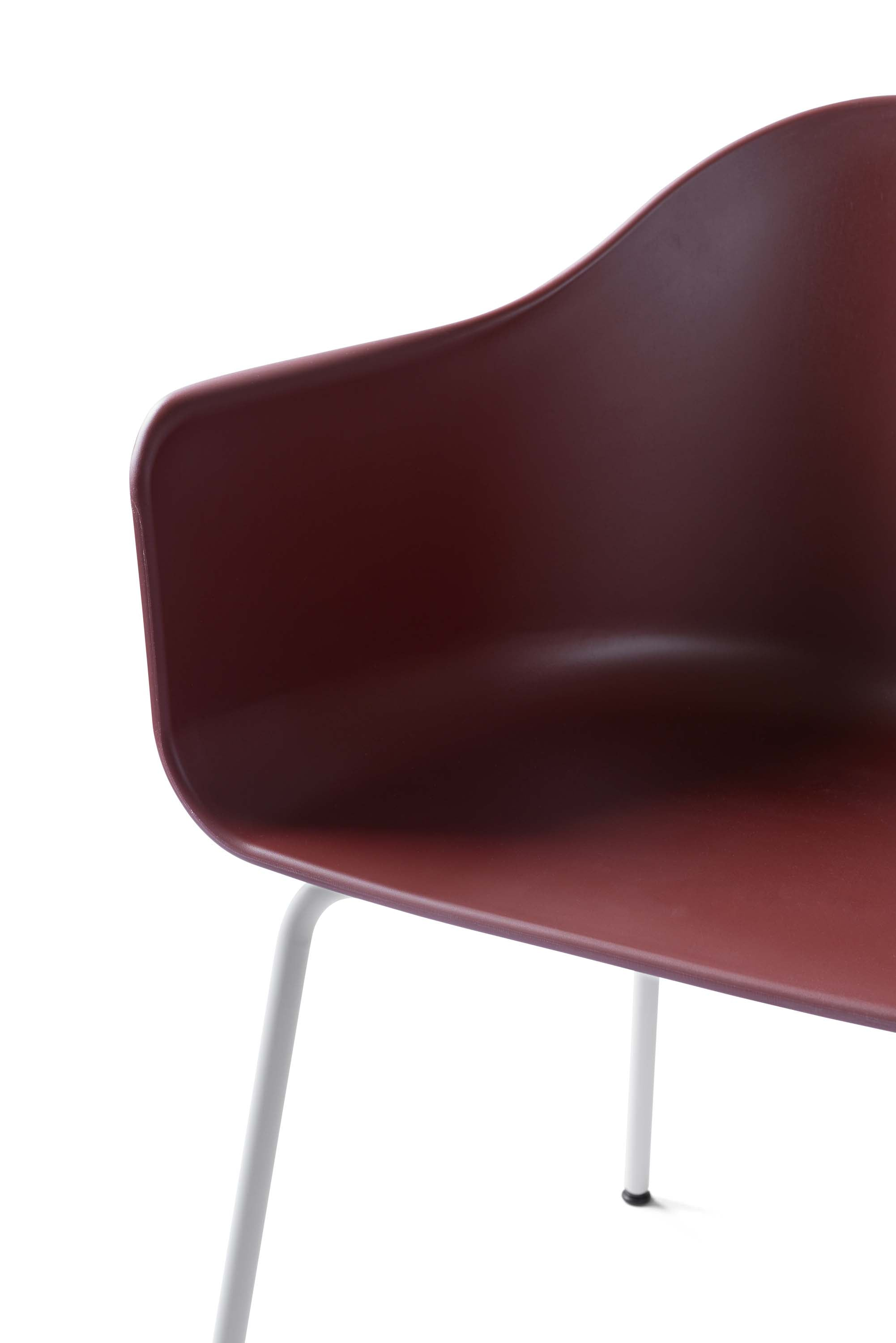Harbour Chair, Burned Red/Light Grey Steel Base fra Menu