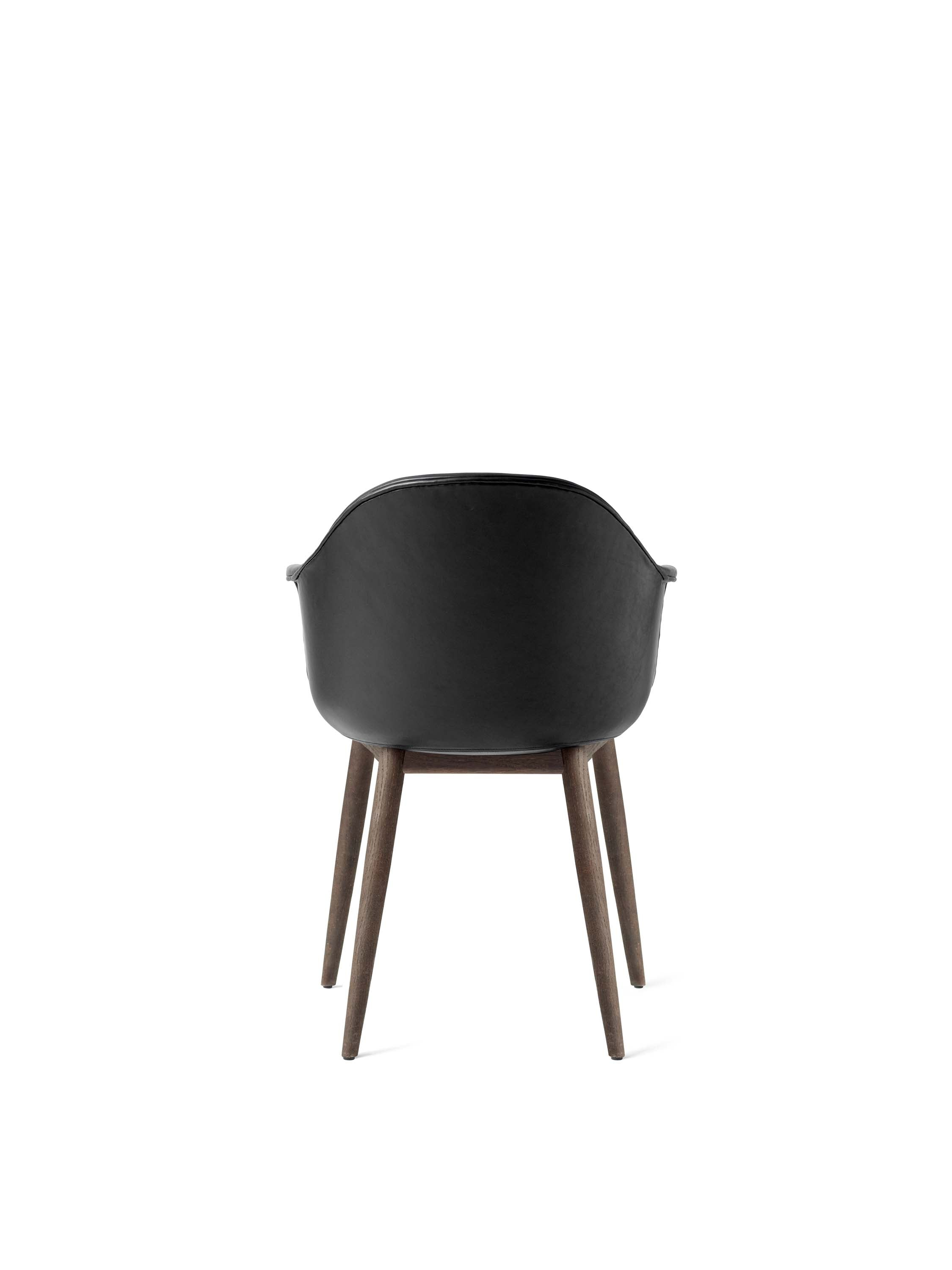 Harbour Chair, Black/Dark Oak Base fra Menu