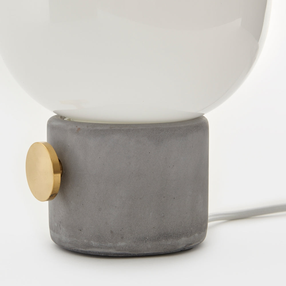 JWDA Table Lamp, Concrete Light fra Menu