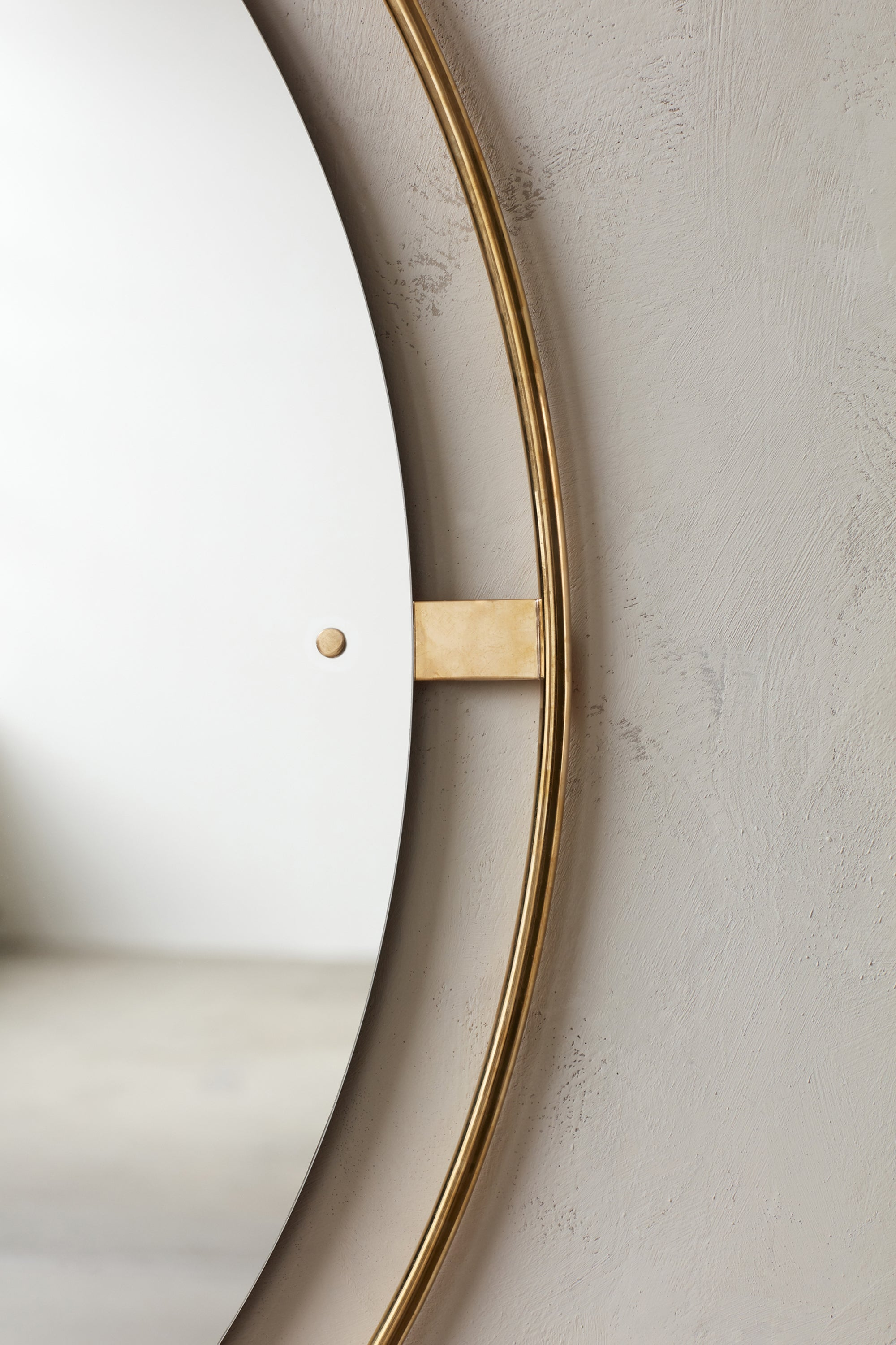 Nimbus Mirror Ø110, Polished Brass fra Menu