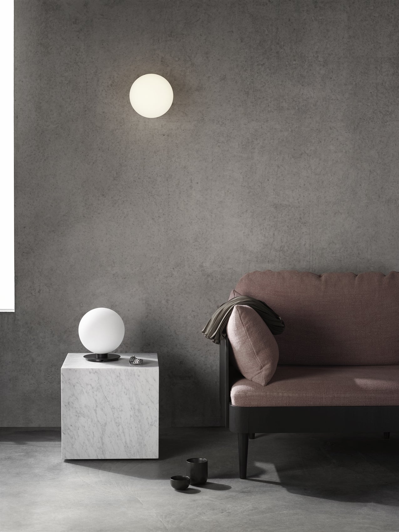 TR Bulb, Table/Wall Lamp, Grey Marble fra Menu