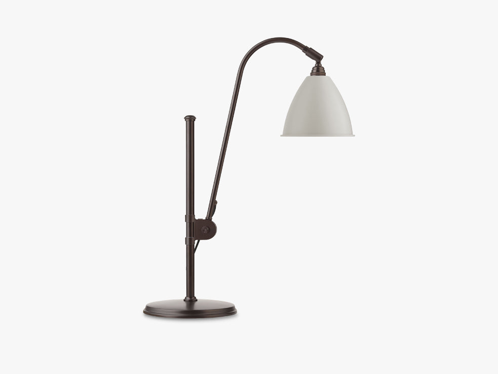 BL1 Table Lamp, Ø16 - Black Brass base - Classic White shade fra GUBI