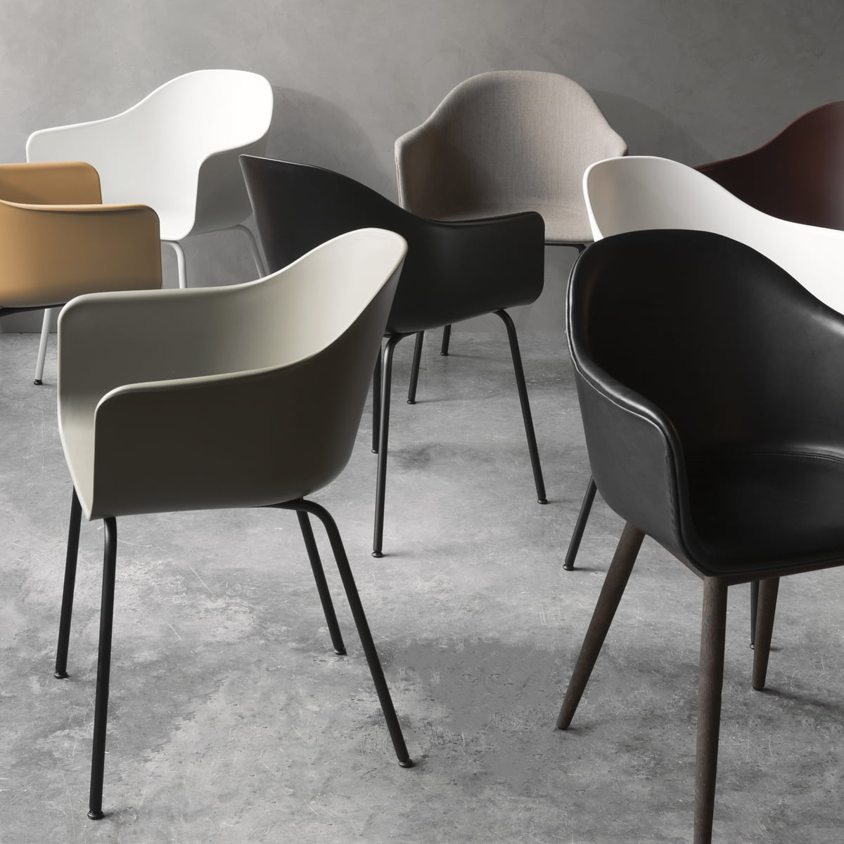 Harbour Chair, Light Grey/Black Steel Base fra Menu