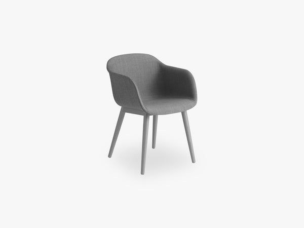 Fiber Armchair - Wood Base - Textile Shell, Remix 133 / Grey fra Muuto