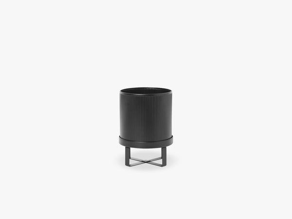 Bau Pot - Small, Black fra Ferm Living