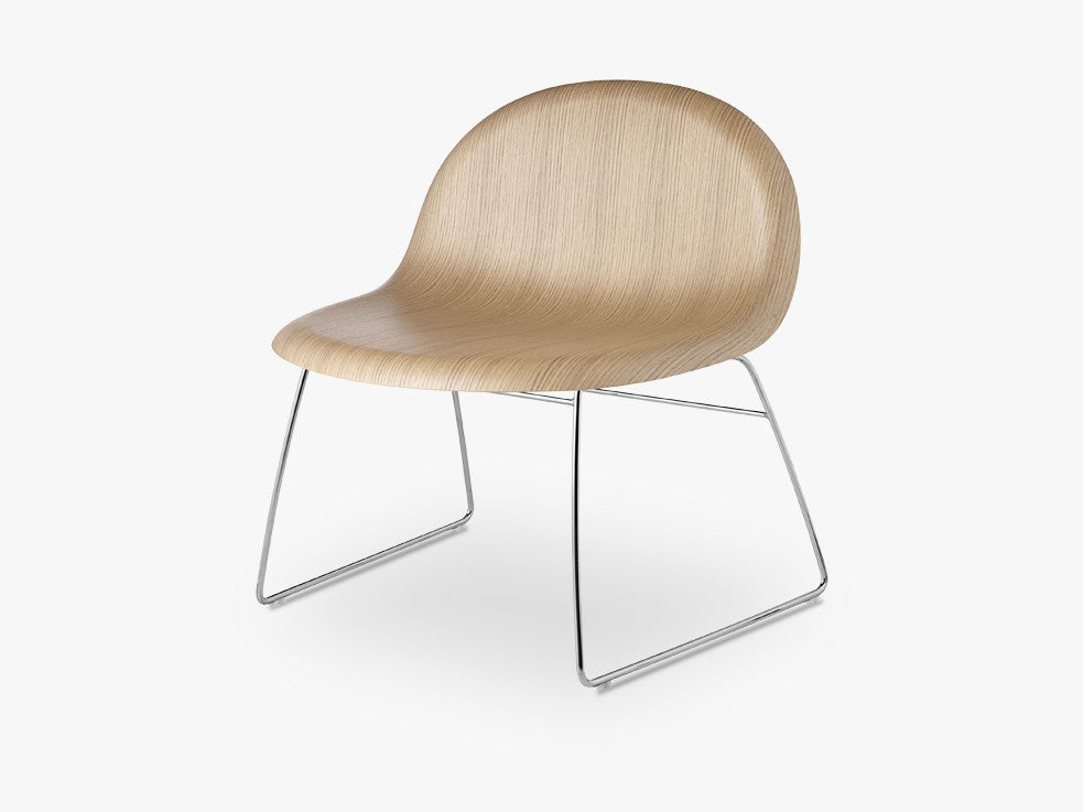 3D Lounge Chair - Un-upholstered Sledge Crome base, Oak shell fra GUBI