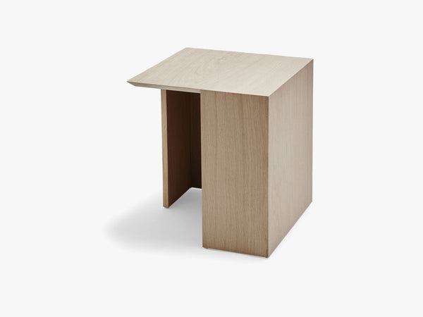 Building Table 34,5x34,5, Oak, FSC Mix fra SKAGERAK