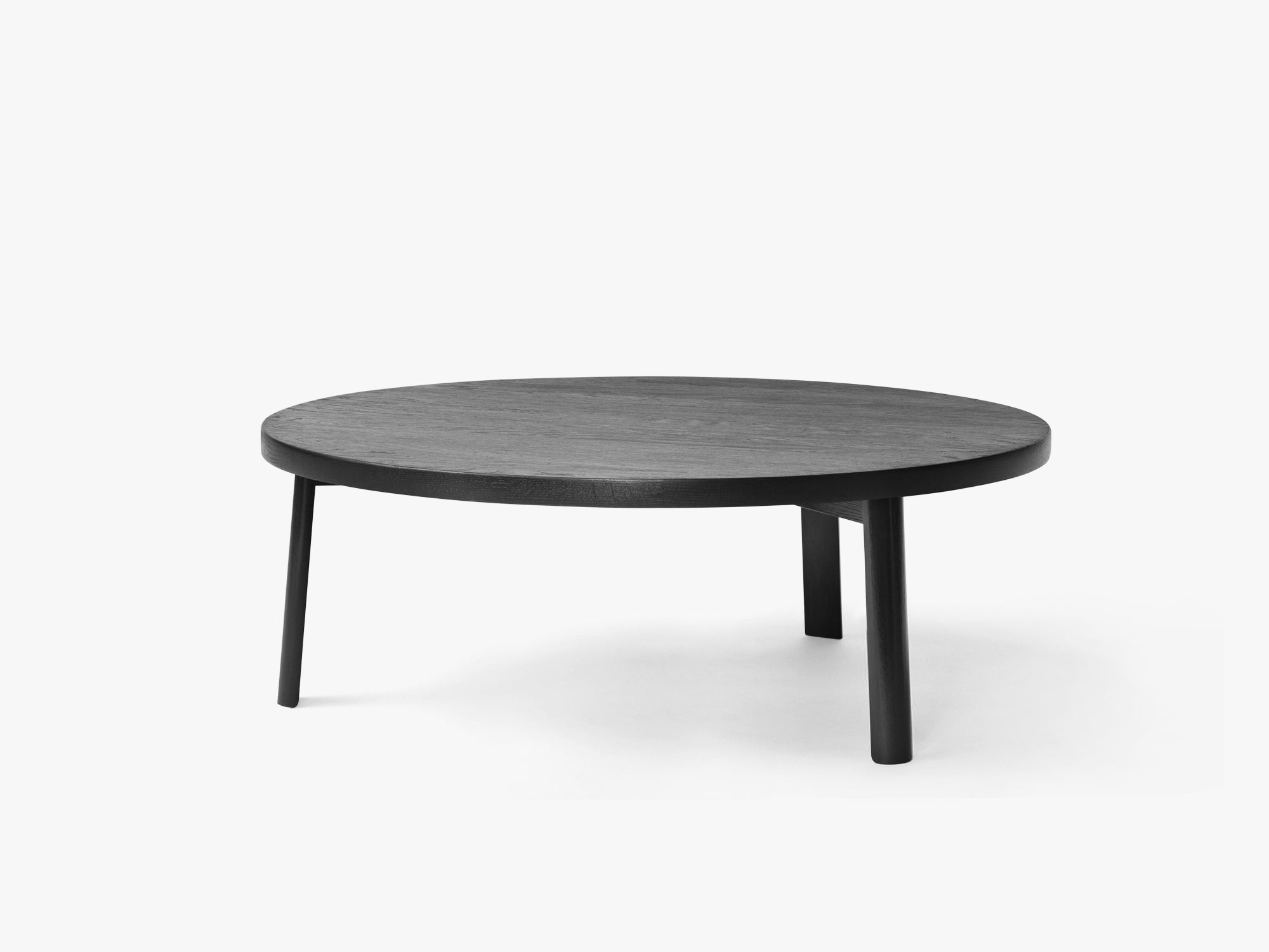 Ease Lounge Table Ø90, H33 Oak Black fra MILLION