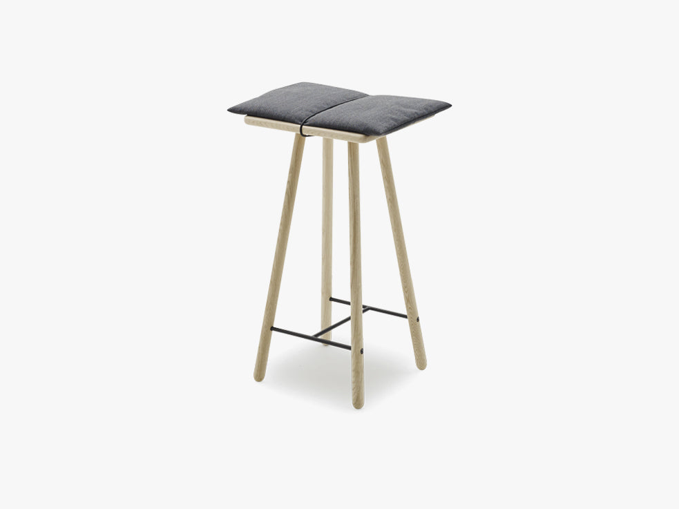 Georg Bar Stool Low, Oak fra SKAGERAK