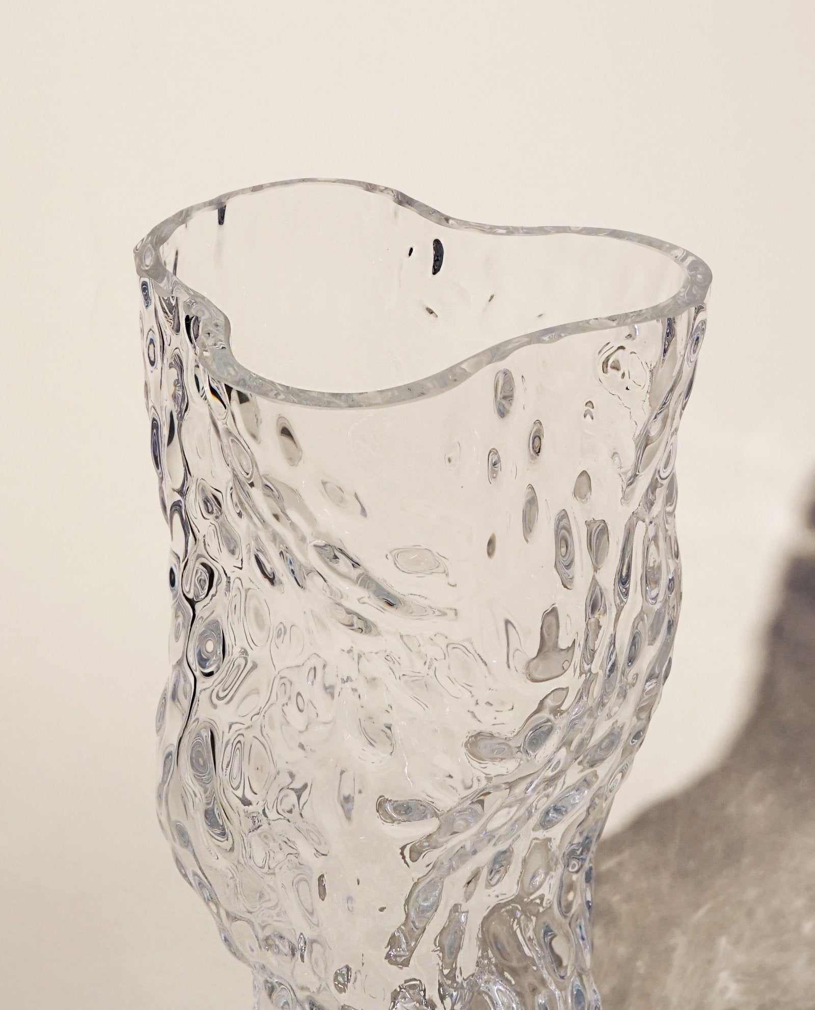 Ostrea Rock Glass Vase, Clear fra Hein Studio