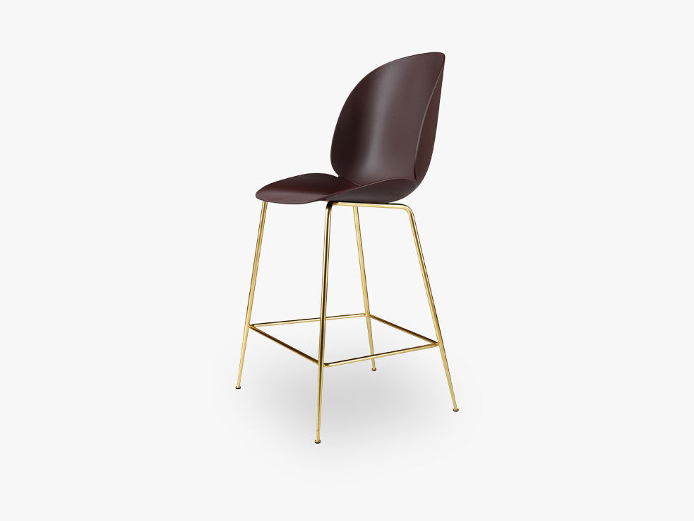 Beetle Counter Chair - Un-upholstered - 64 cm Conic Brass base, Dark Pink shell fra GUBI